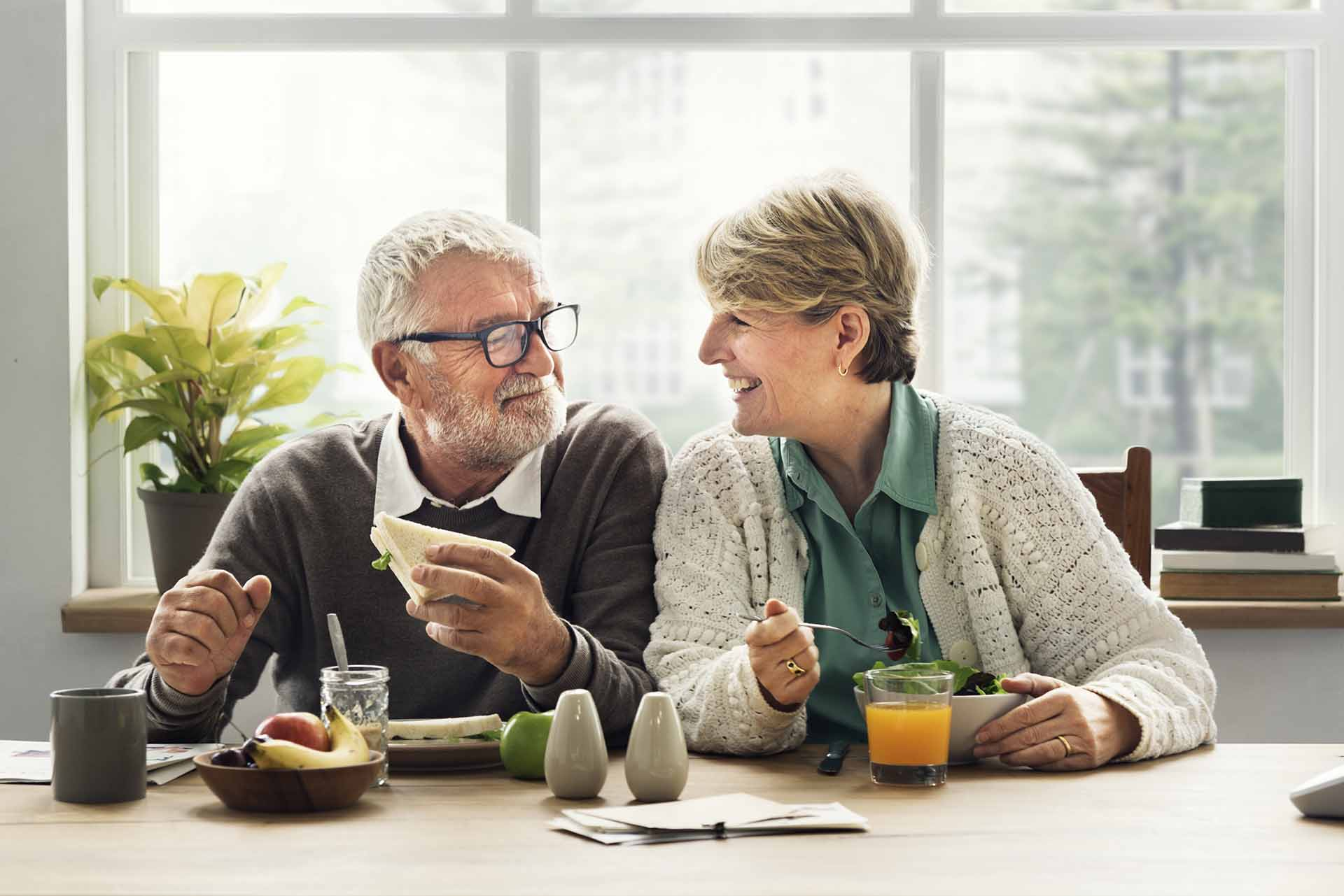 couple discussing the new reverse mortgage rules from 2019