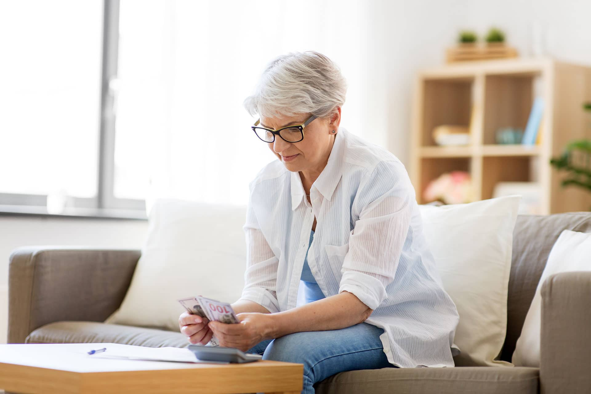 Reverse Mortgage Annuity Pros & Cons (And Why Reverse Mortgages are Better)
