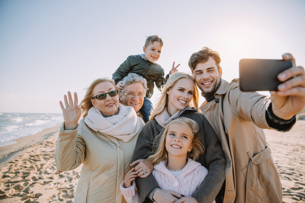 The Advantages and Disadvantages of Multigenerational Households